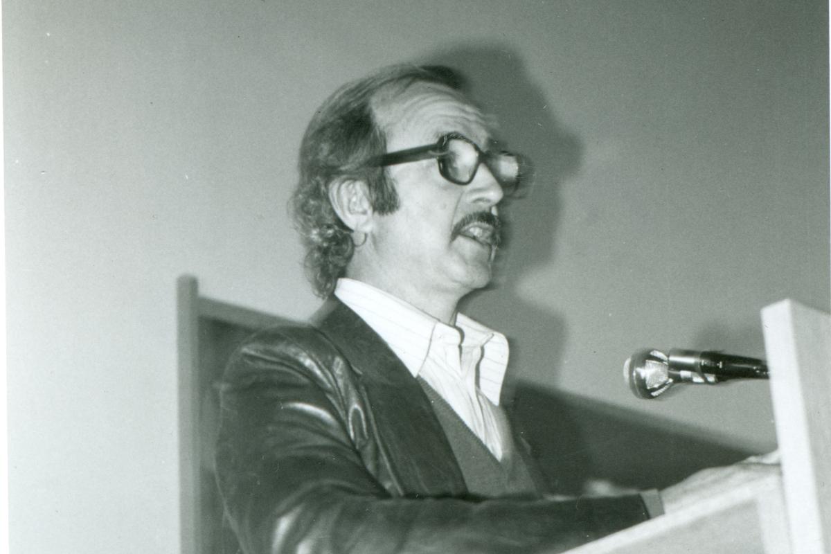 Impartint una conferència quan era responsable de l'HOAC a Catalunya, 1972.